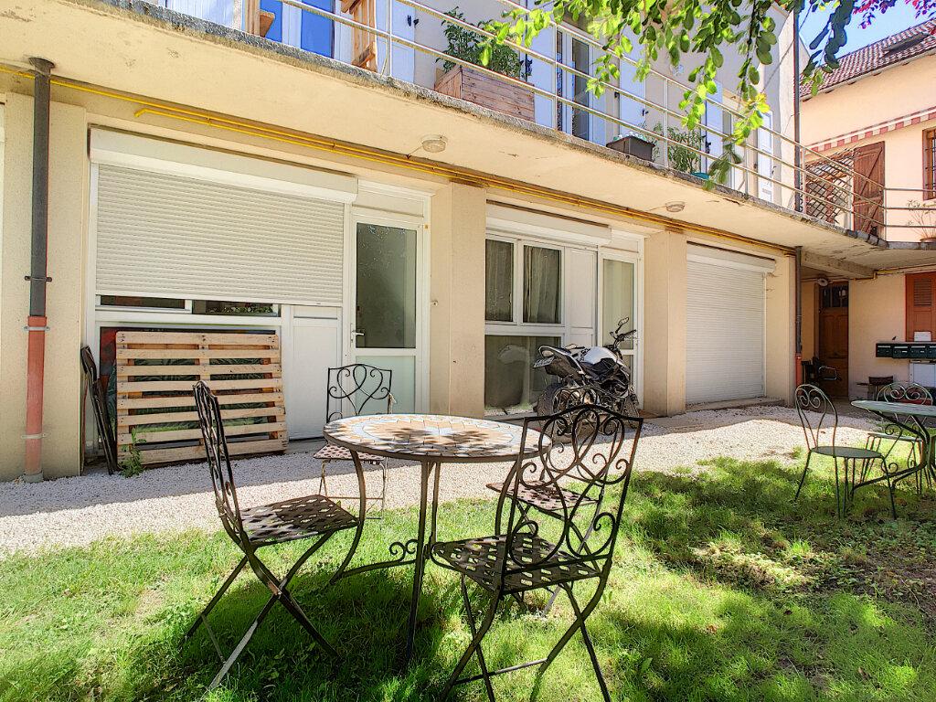 Appartement à louer 4 87m2 à Aurillac vignette-8