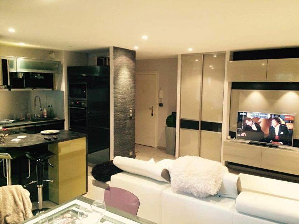 Appartement à louer 3 62.1m2 à Aurillac vignette-3