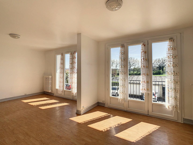 Appartement à louer 4 76m2 à Aurillac vignette-5
