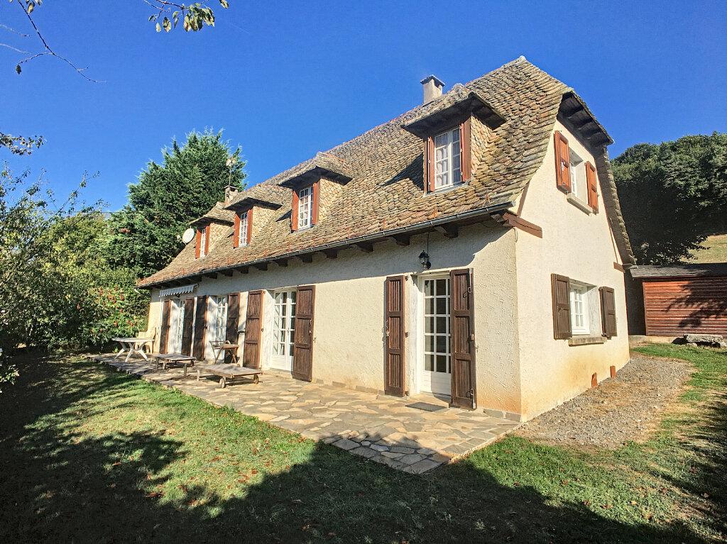 Maison à vendre 5 120m2 à Roannes-Saint-Mary vignette-1