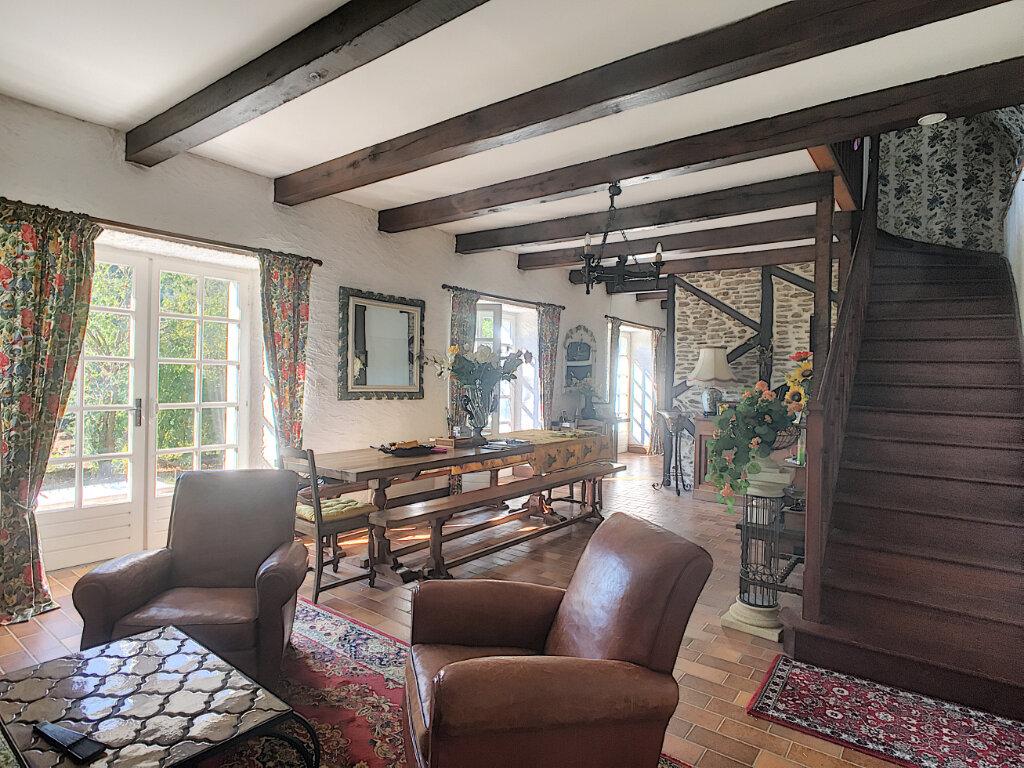 Maison à vendre 5 120m2 à Roannes-Saint-Mary vignette-3