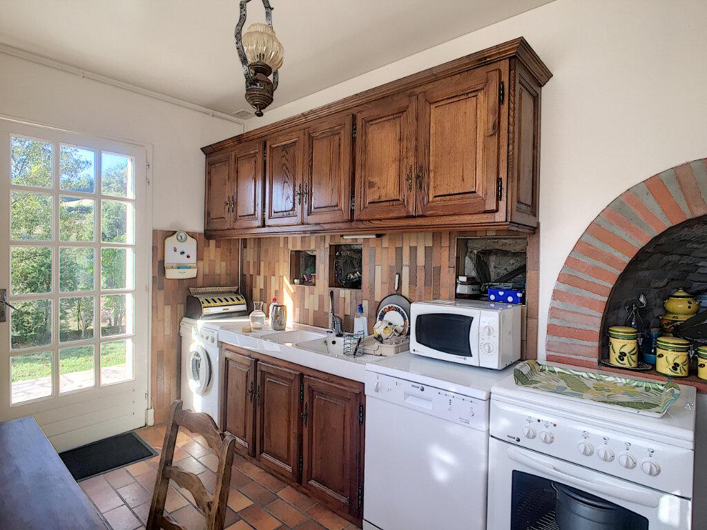 Maison à vendre 5 120m2 à Roannes-Saint-Mary vignette-4
