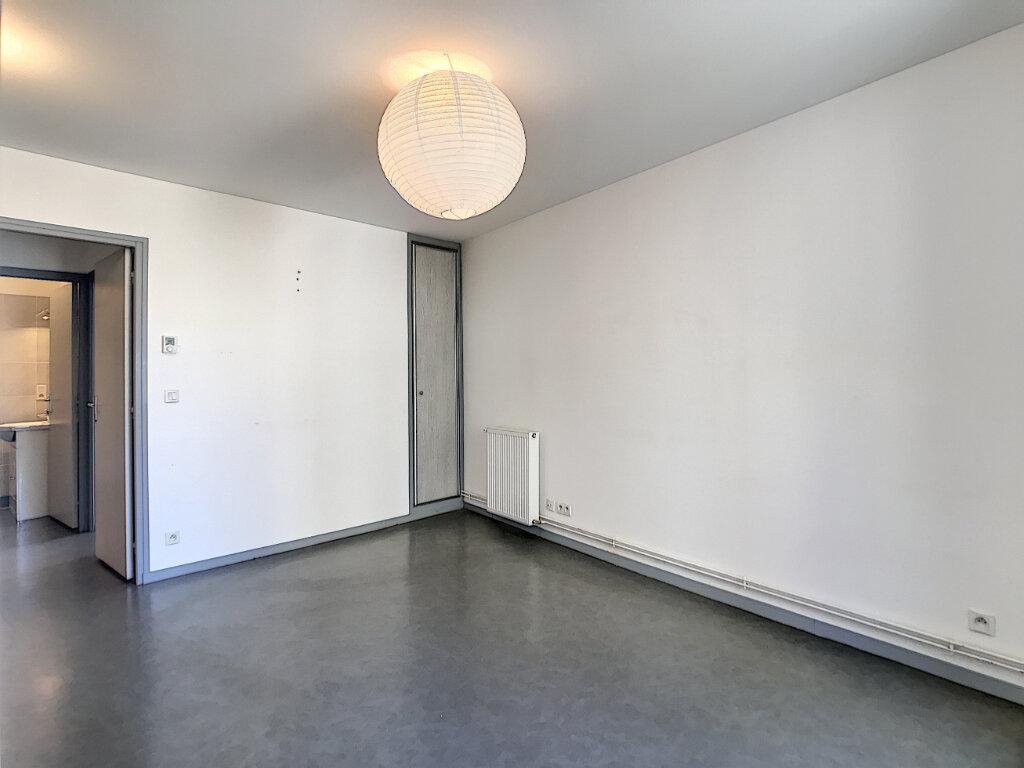 Appartement à louer 2 38m2 à Jussac vignette-3