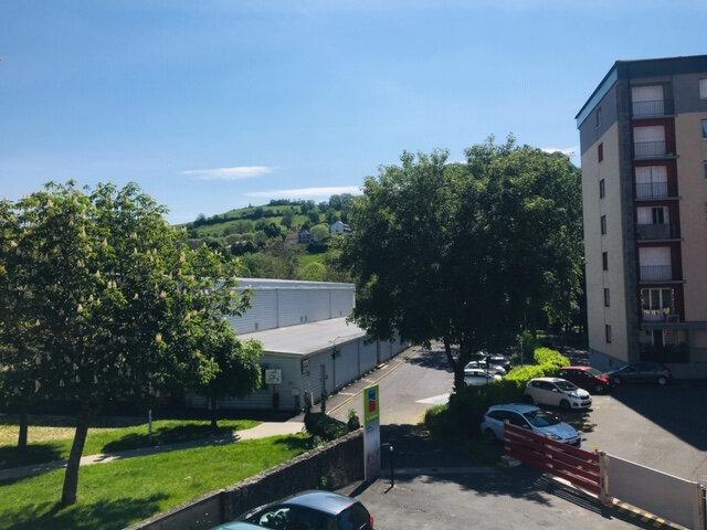 Appartement à louer 1 28m2 à Aurillac vignette-4