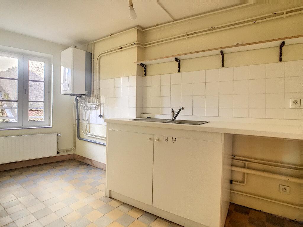 Appartement à louer 2 62m2 à Aurillac vignette-4