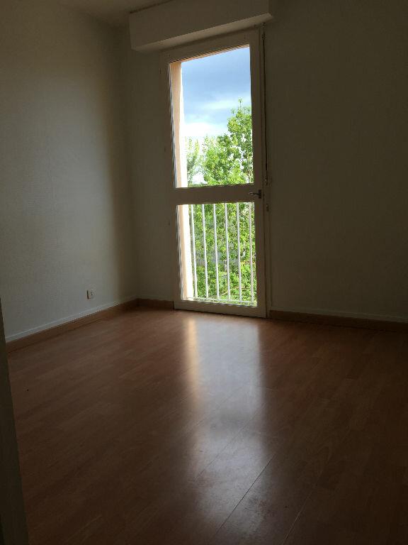 Appartement à louer 3 61m2 à Aurillac vignette-3