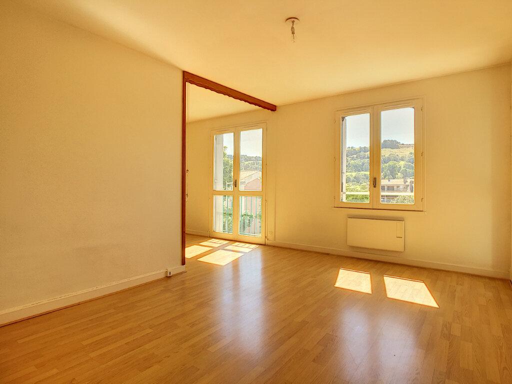 Appartement à louer 2 42.5m2 à Aurillac vignette-2