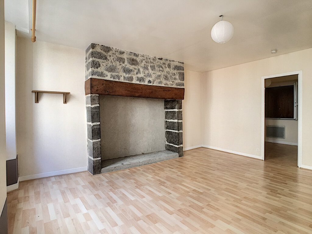 Appartement à louer 2 42m2 à Aurillac vignette-1