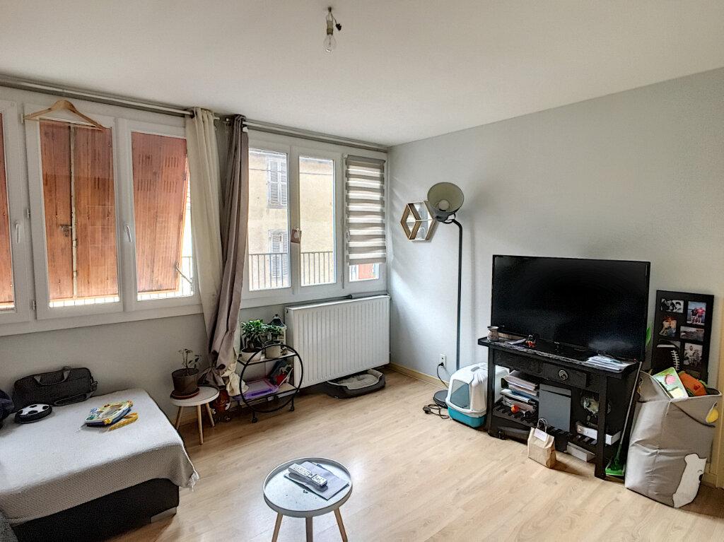 Appartement à vendre 2 42.03m2 à Aurillac vignette-1