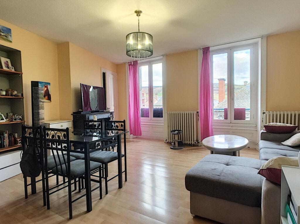 Appartement à vendre 3 66m2 à Aurillac vignette-1