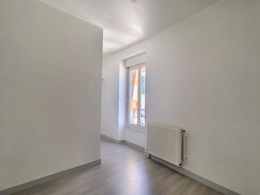 Appartement à louer 2 32m2 à Aurillac vignette-5