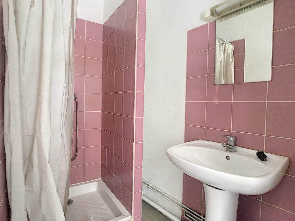 Appartement à louer 2 32m2 à Aurillac vignette-7