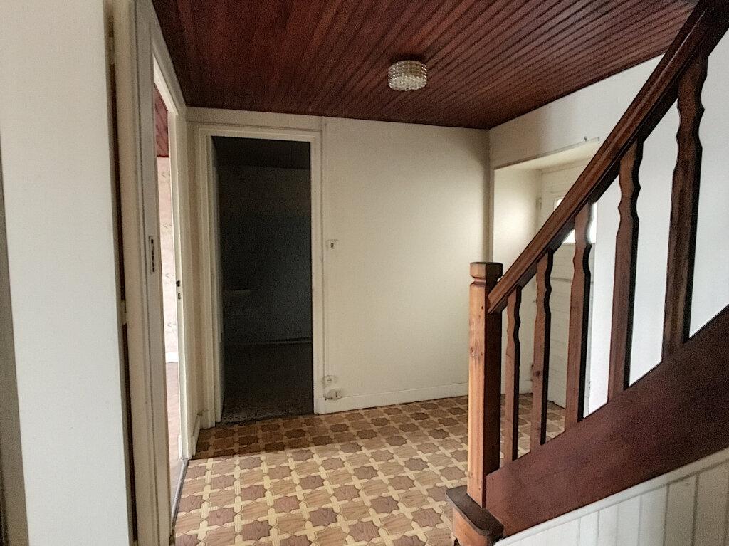 Maison à vendre 4 60m2 à Montsalvy vignette-4