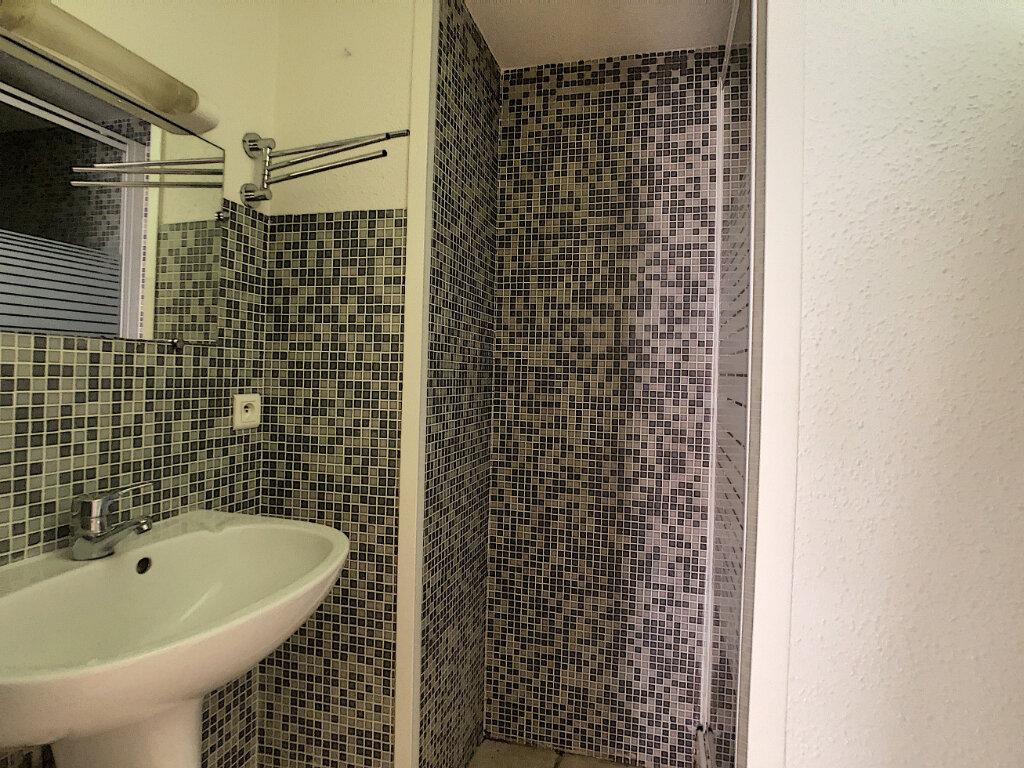 Appartement à louer 2 30m2 à Aurillac vignette-4