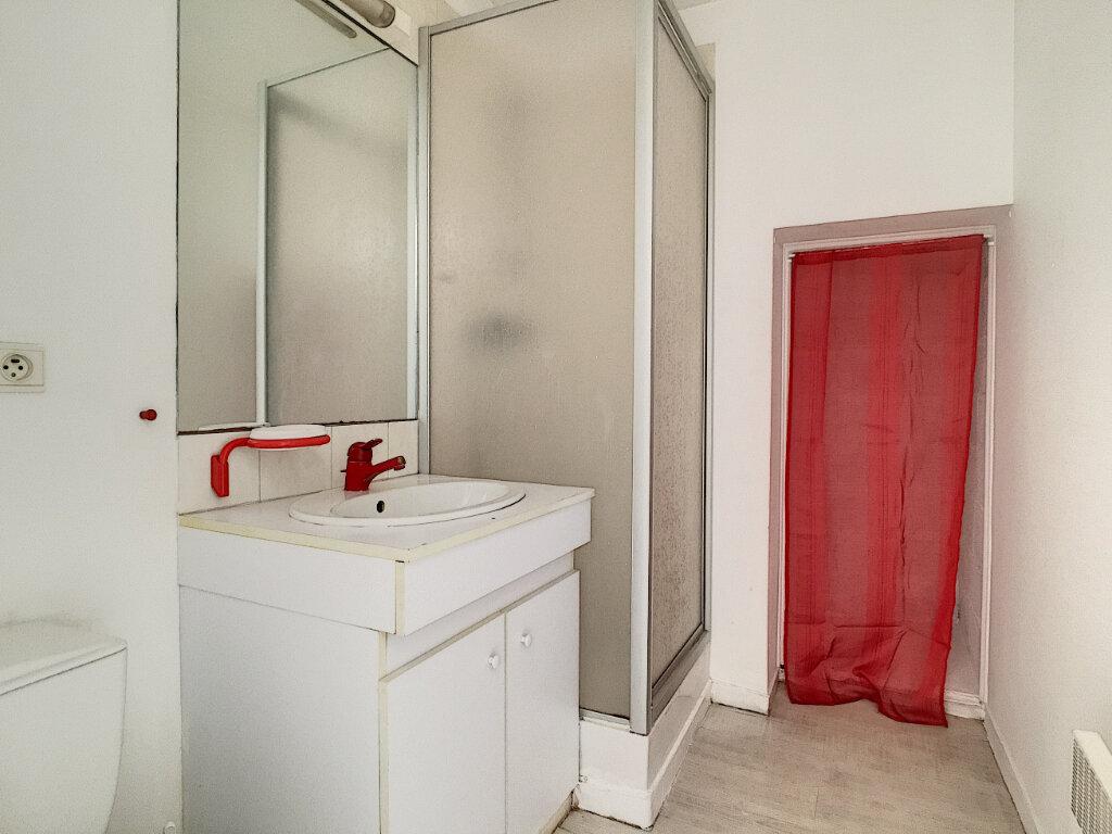 Appartement à louer 1 23.03m2 à Aurillac vignette-4