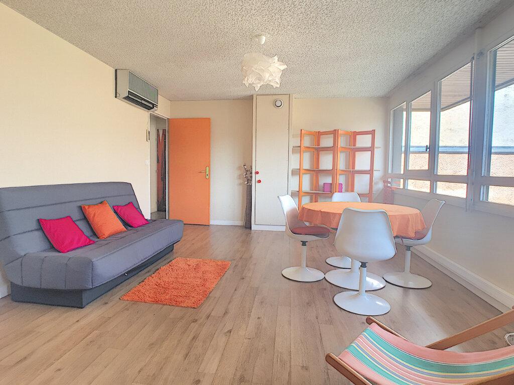 Appartement à louer 2 49.18m2 à Aurillac vignette-2