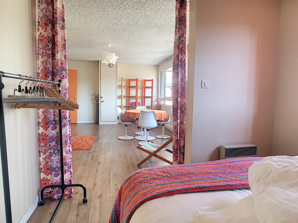 Appartement à louer 2 49.18m2 à Aurillac vignette-4