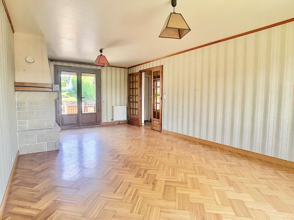 Maison à louer 5 80m2 à Lafeuillade-en-Vézie vignette-3