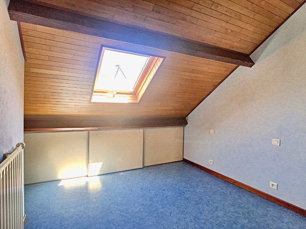Maison à louer 5 80m2 à Lafeuillade-en-Vézie vignette-5