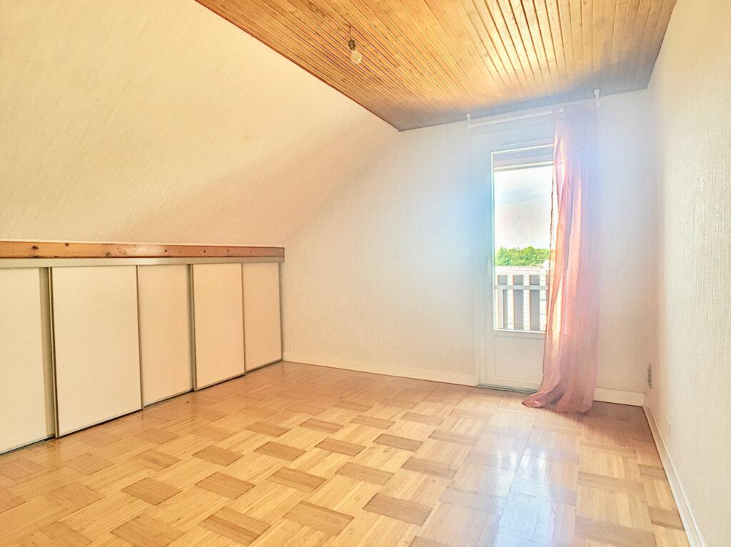Maison à louer 5 80m2 à Lafeuillade-en-Vézie vignette-7