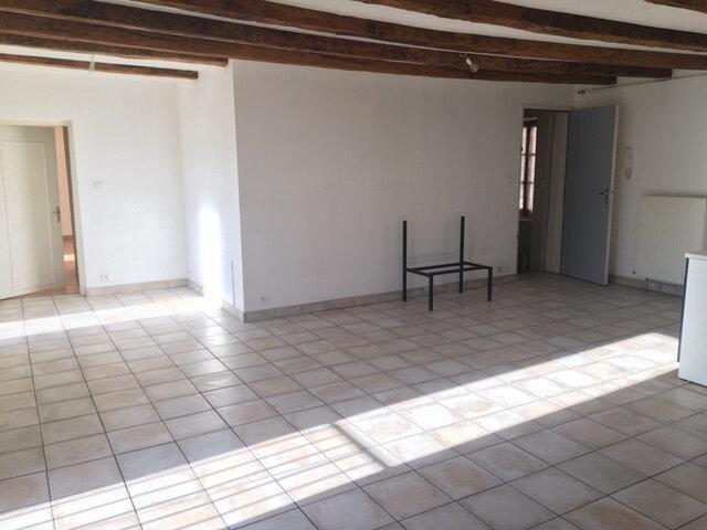 Appartement à louer 3 68m2 à Aurillac vignette-2