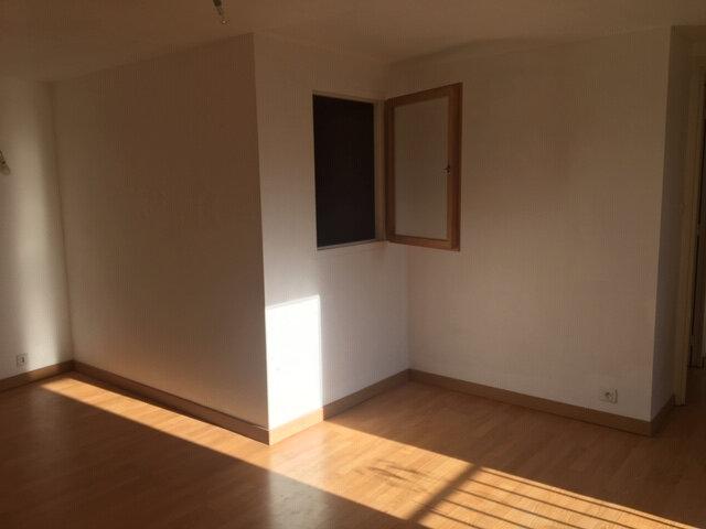 Appartement à louer 3 68m2 à Aurillac vignette-4