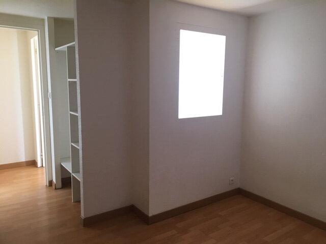 Appartement à louer 3 68m2 à Aurillac vignette-5