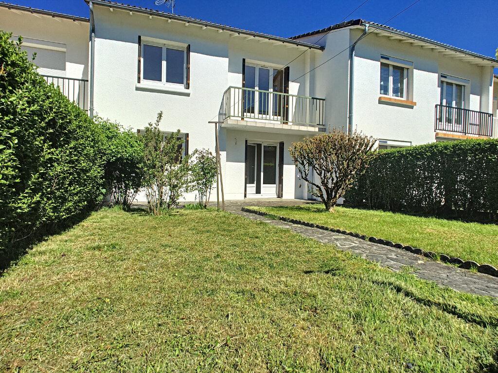 Maison à louer 5 90.89m2 à Aurillac vignette-1
