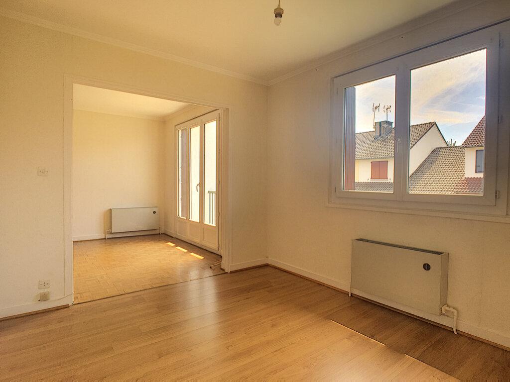 Maison à louer 5 90.89m2 à Aurillac vignette-3