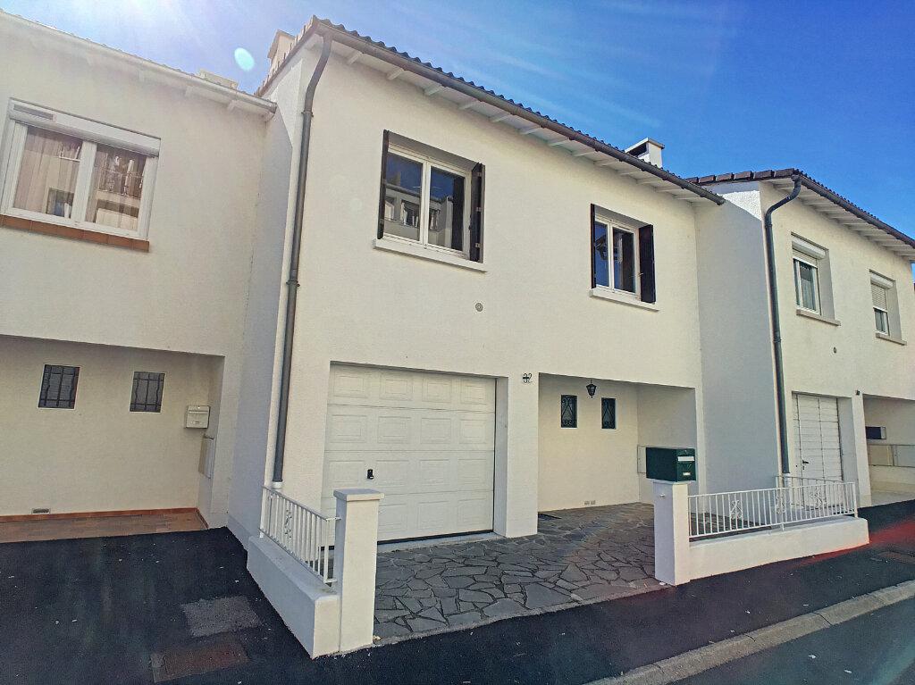 Maison à louer 5 90.89m2 à Aurillac vignette-8