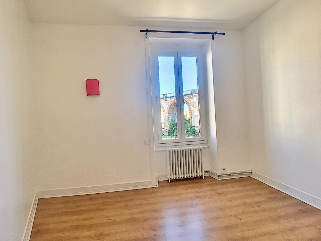Appartement à louer 3 77m2 à Aurillac vignette-5