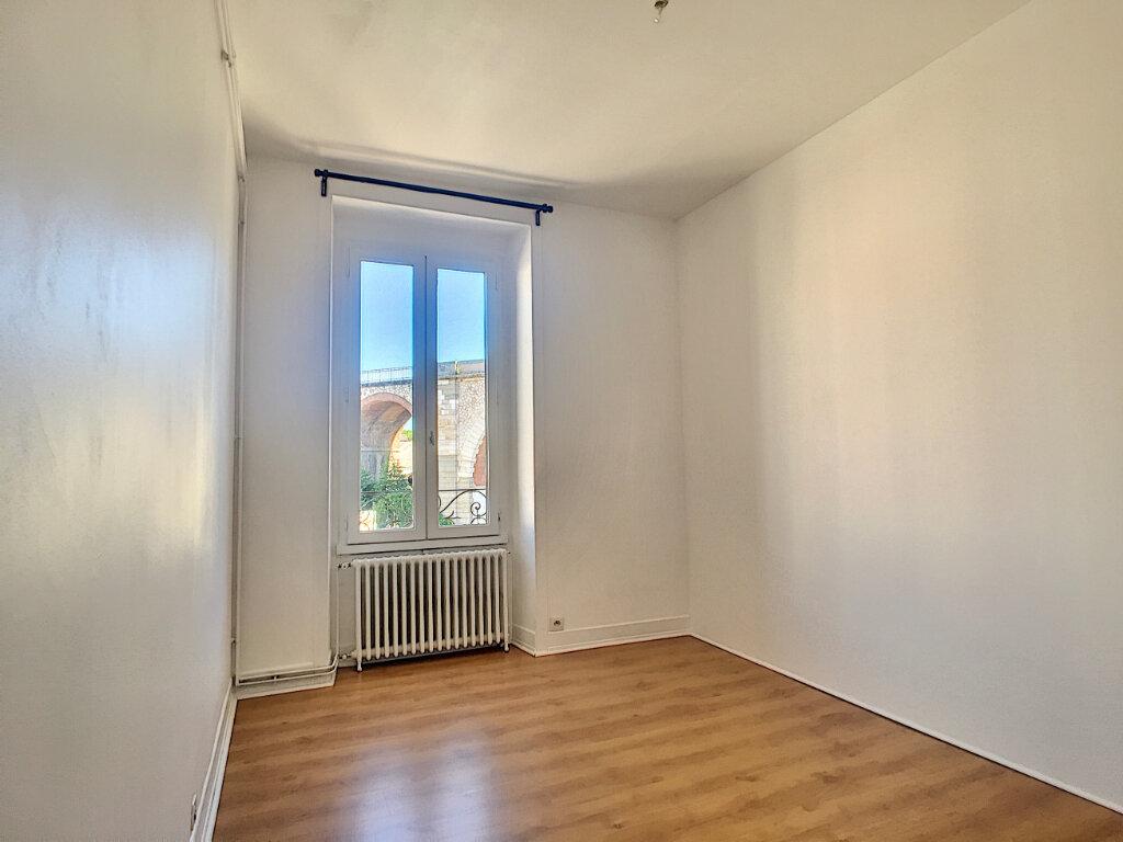 Appartement à louer 3 77m2 à Aurillac vignette-6