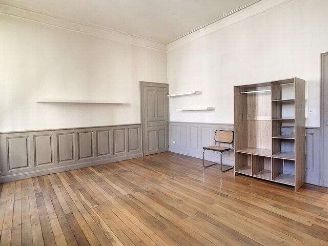 Appartement à louer 1 37m2 à Aurillac vignette-2