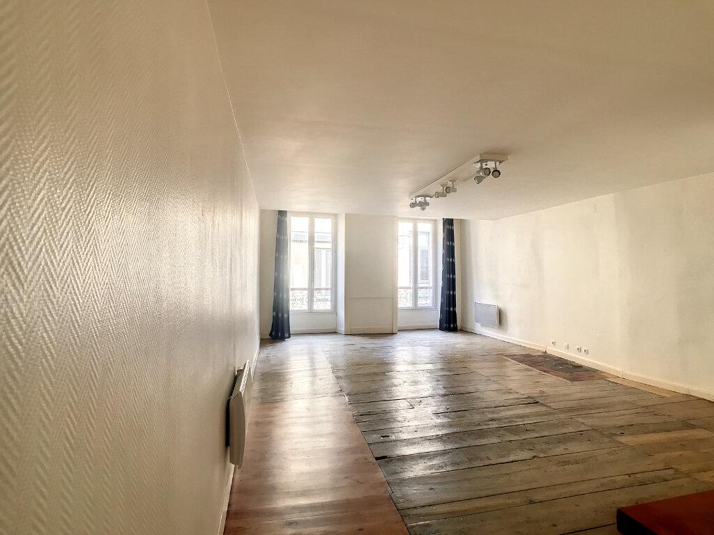 Appartement à louer 2 56m2 à Aurillac vignette-2