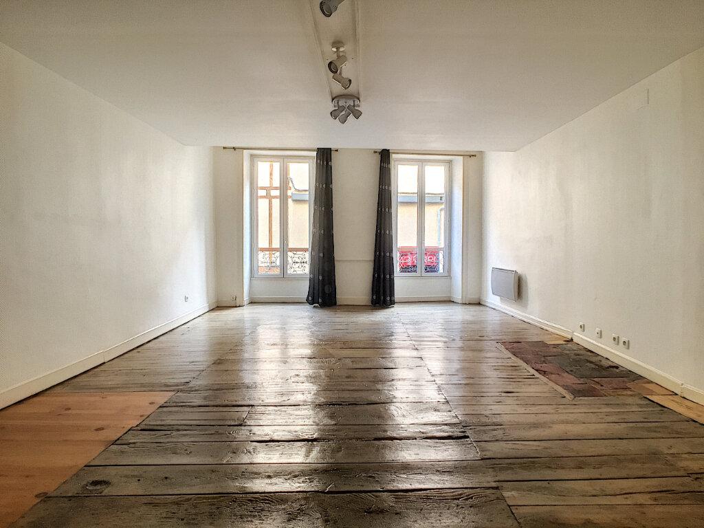 Appartement à louer 2 56m2 à Aurillac vignette-3
