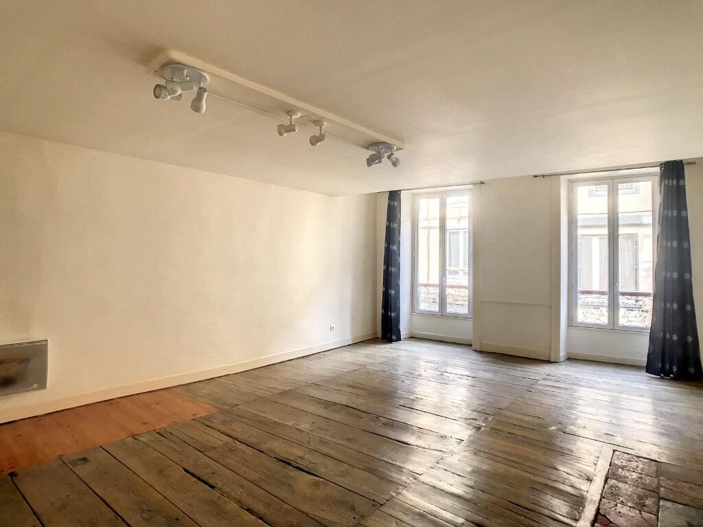 Appartement à louer 2 56m2 à Aurillac vignette-5