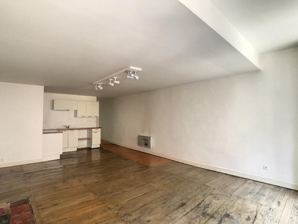 Appartement à louer 2 56m2 à Aurillac vignette-6