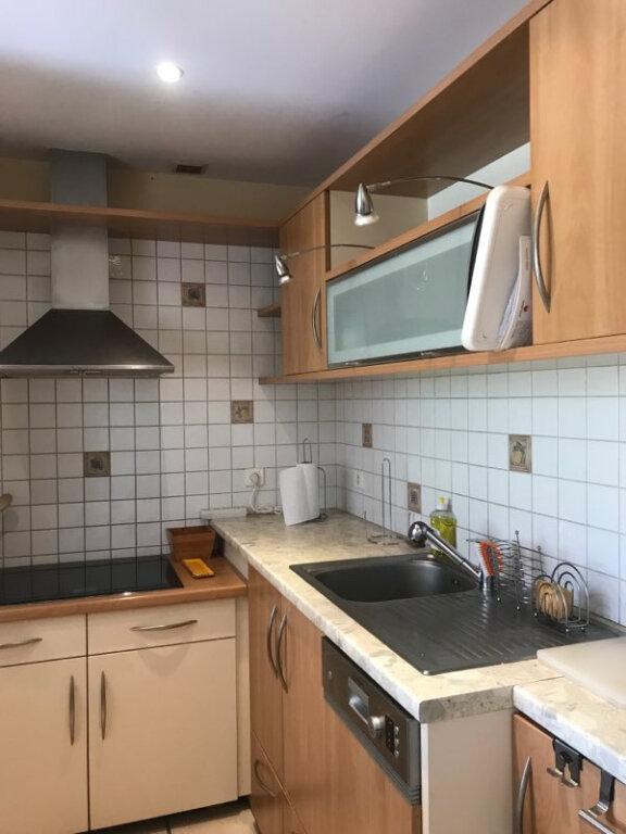 Appartement à louer 3 77.83m2 à Aurillac vignette-2