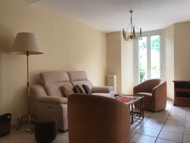 Appartement à louer 3 77.83m2 à Aurillac vignette-3