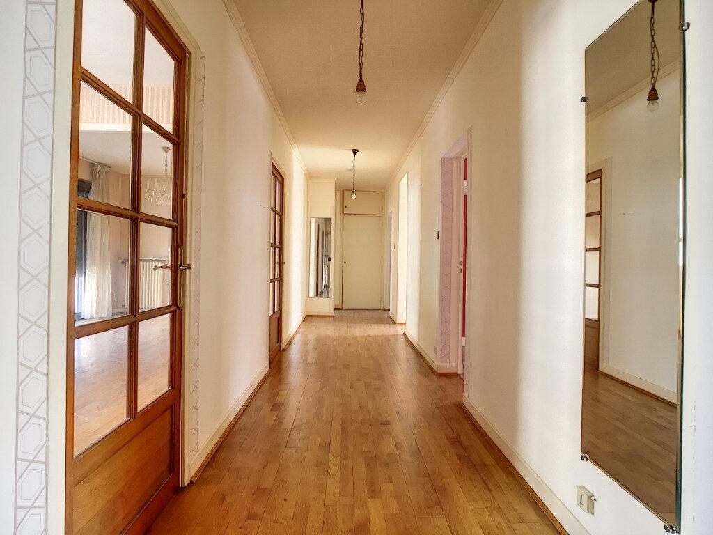 Appartement à louer 4 106m2 à Aurillac vignette-5