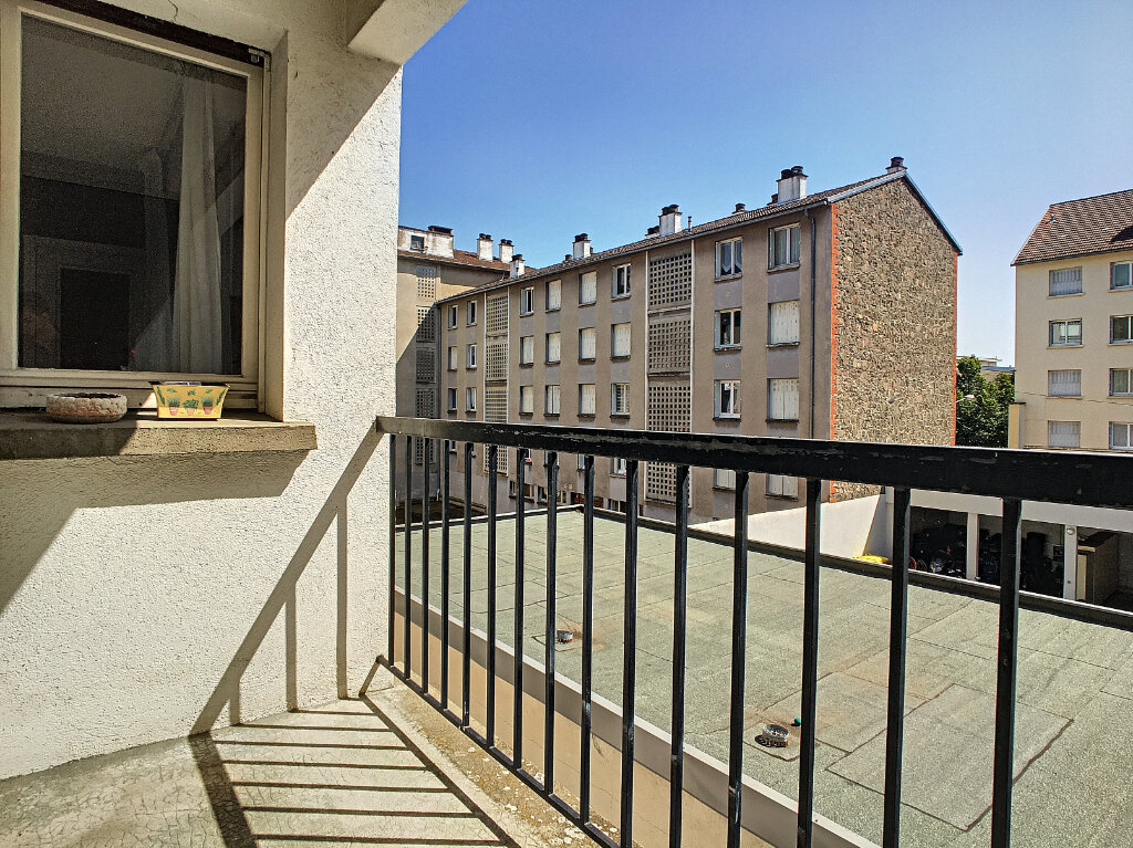 Appartement à louer 4 106m2 à Aurillac vignette-12