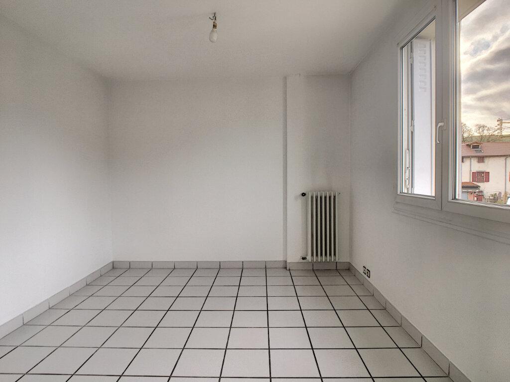 Appartement à louer 2 40.11m2 à Aurillac vignette-3