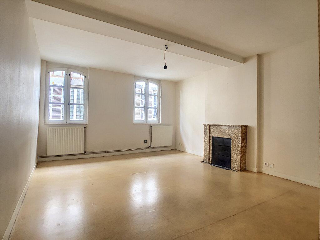 Appartement à louer 4 98.33m2 à Aurillac vignette-1