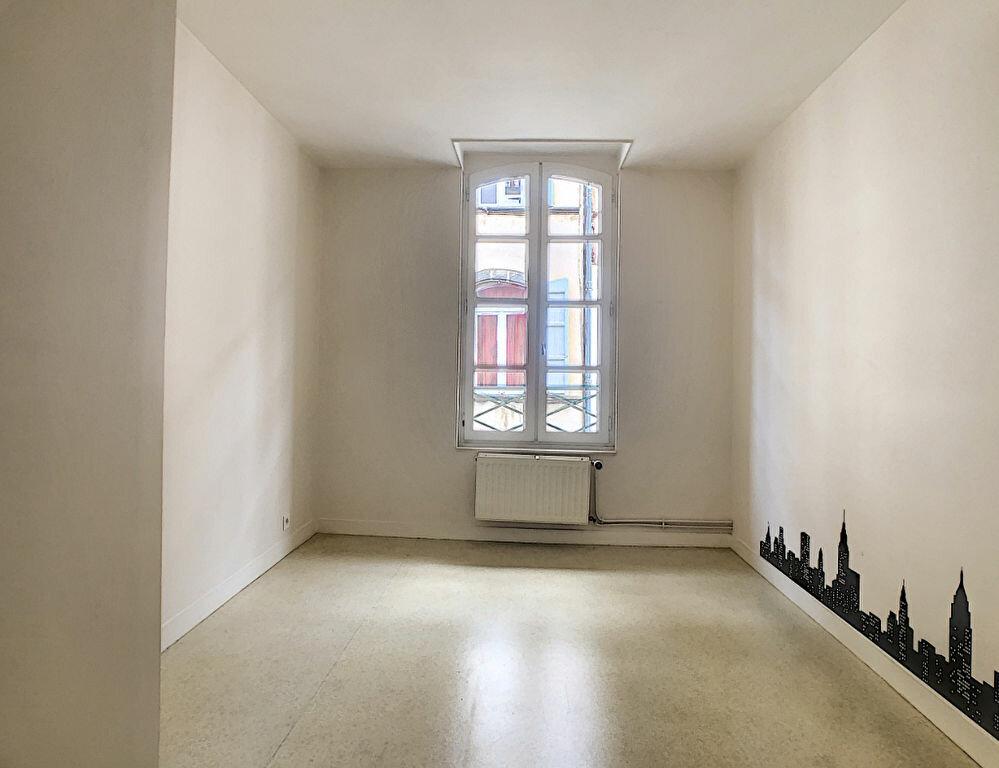 Appartement à louer 4 98.33m2 à Aurillac vignette-6