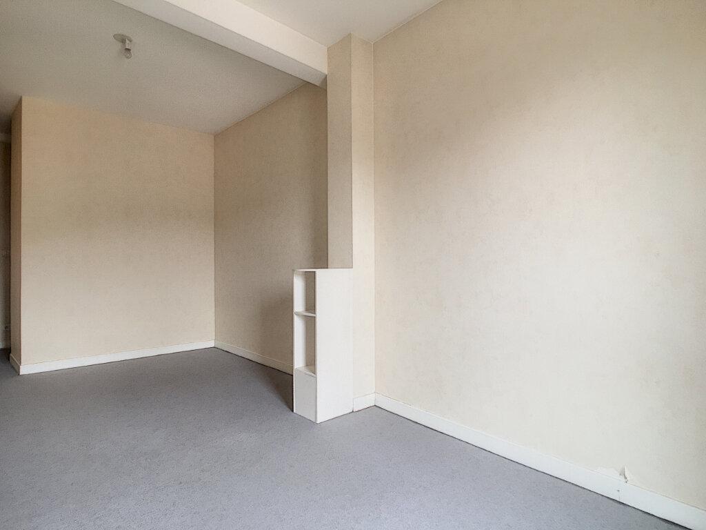 Appartement à louer 3 77.3m2 à Arpajon-sur-Cère vignette-4