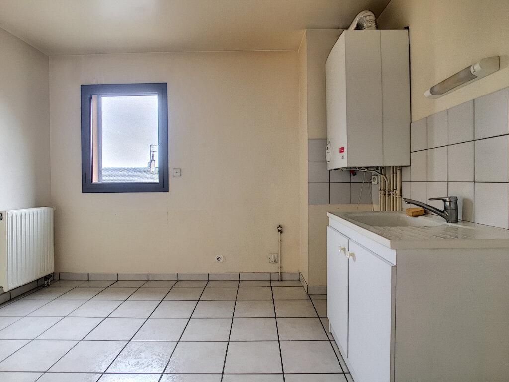 Appartement à louer 3 79.05m2 à Arpajon-sur-Cère vignette-2