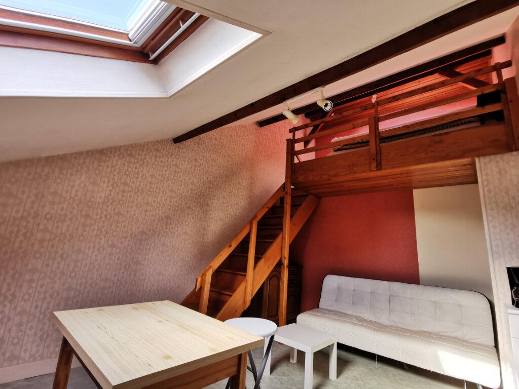 Appartement à louer 1 18.34m2 à Aurillac vignette-1