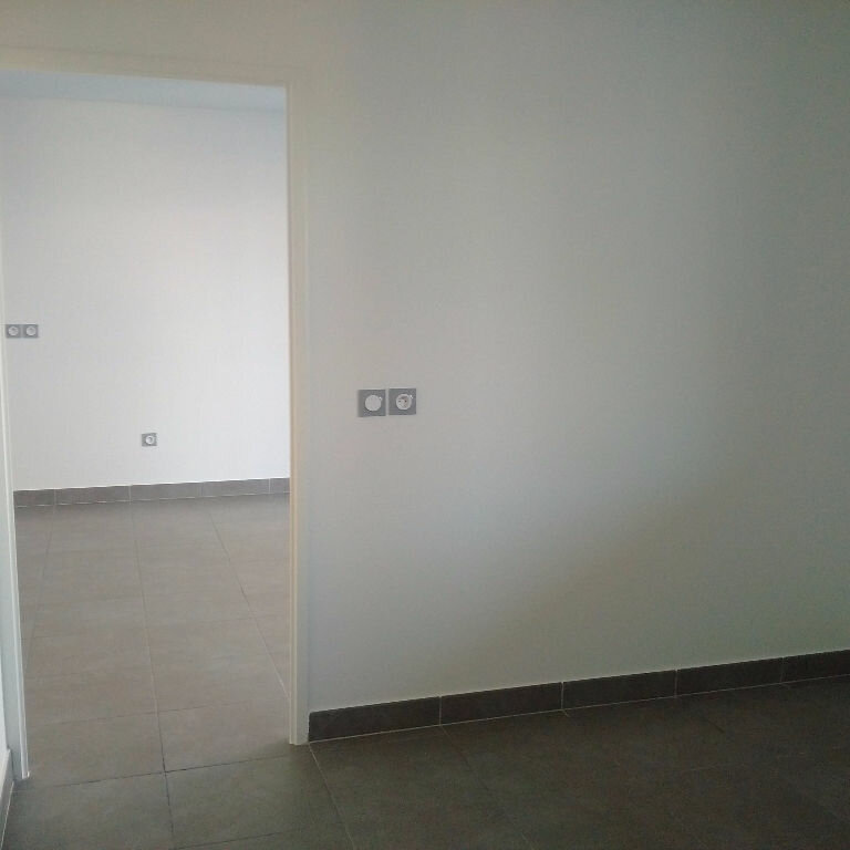 Appartement à louer 2 37.3m2 à Lattes vignette-4