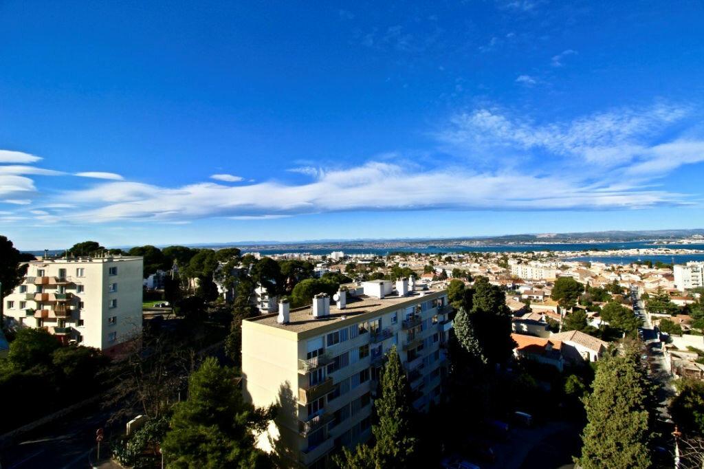 Appartement à louer 3 67.85m2 à Sète vignette-2