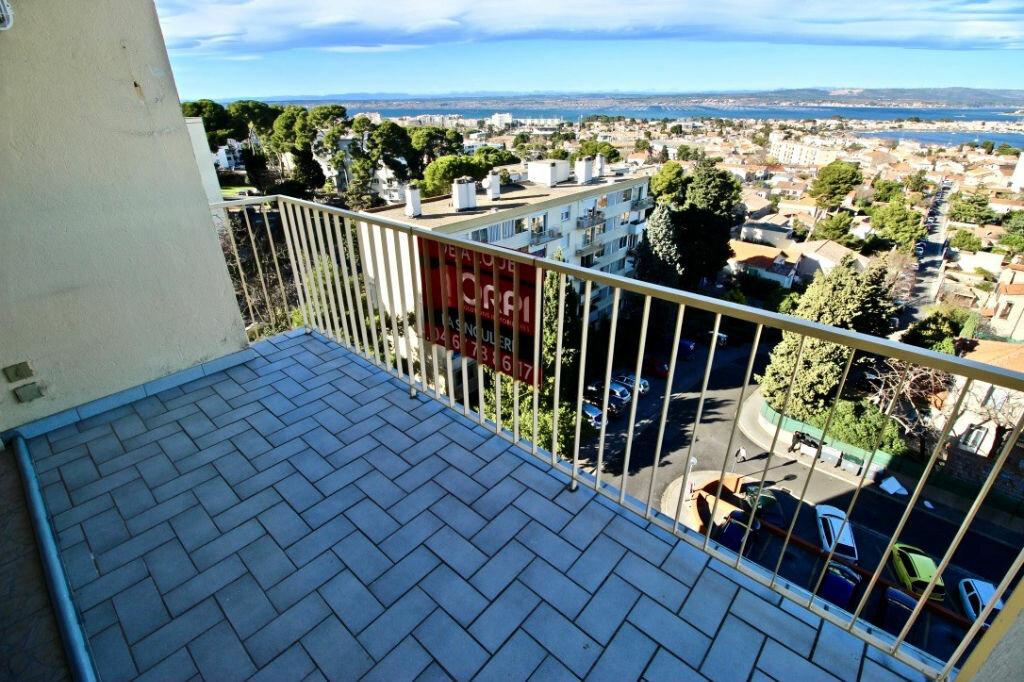 Appartement à louer 3 67.85m2 à Sète vignette-11